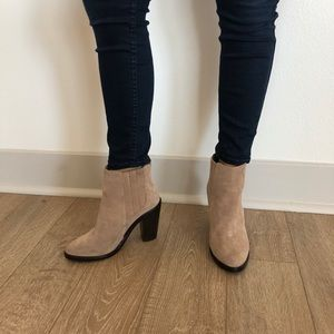 Never worn Joie Boots